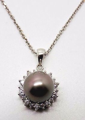 7.75mm Tahitian Pearl .25 CT Diamond Necklace (Pendant & Chain) 18k solid gold