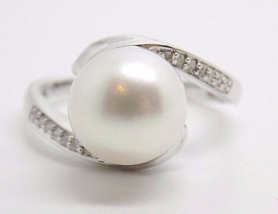10mm White Freshwater Pearl & .07 ct  Diamond Bypass Ring 9K Solid Gold NEW