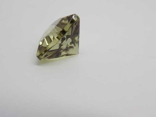5.25 Ct. Zultanite Natural Loose Gemstone 11mm Trillion Cut Cert of Auth D005