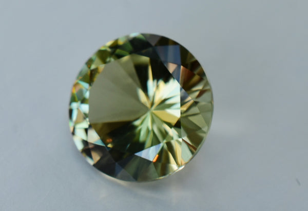 3.93 Ct.  Zultanite Natural Loose Gem 0mm Royal Round Cut Cert of Auth E020