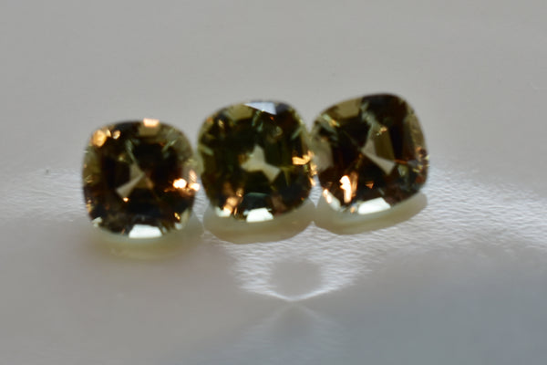 Zultanite (1) .68 ct Natural Loose Gem 5mm Cushion Cut Cert of Auth G008