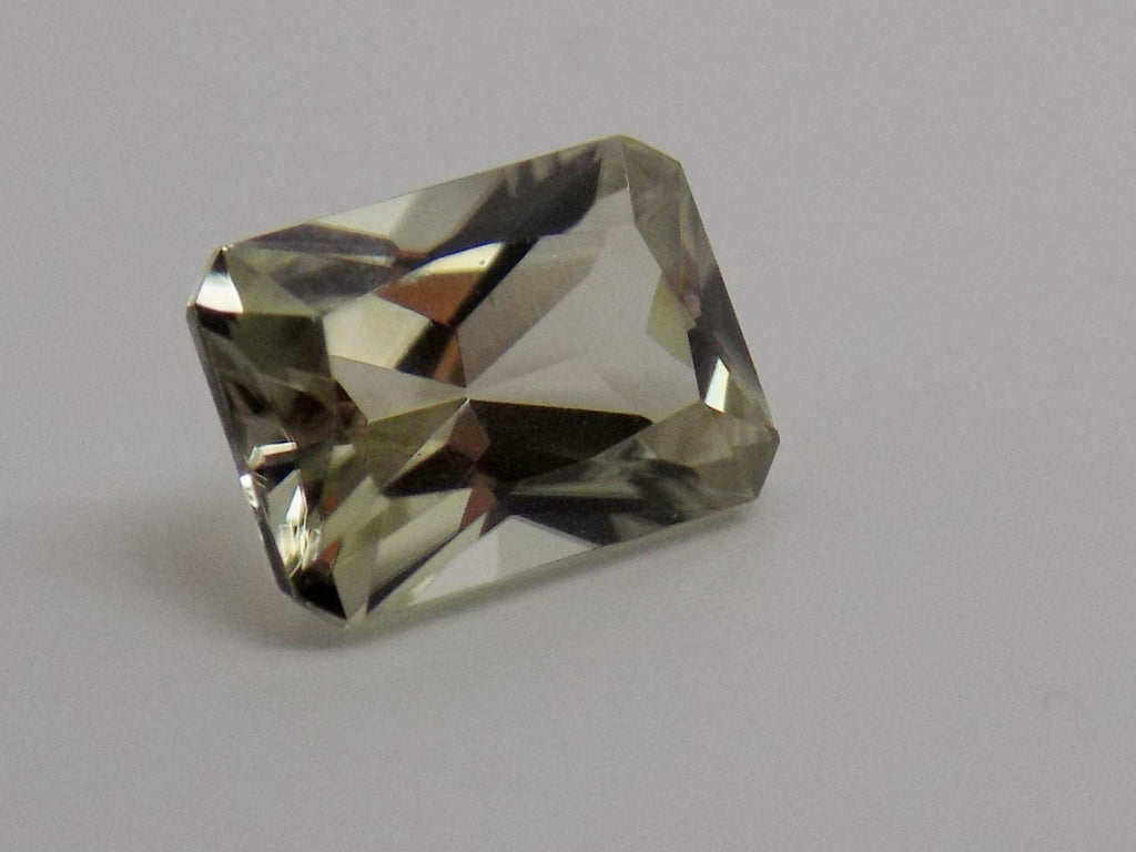 1.8 Ct. Natural Zultanite® Loose Gem Gemstone - 8x6mm Octagon Cut W Cert Of Authenticity B008