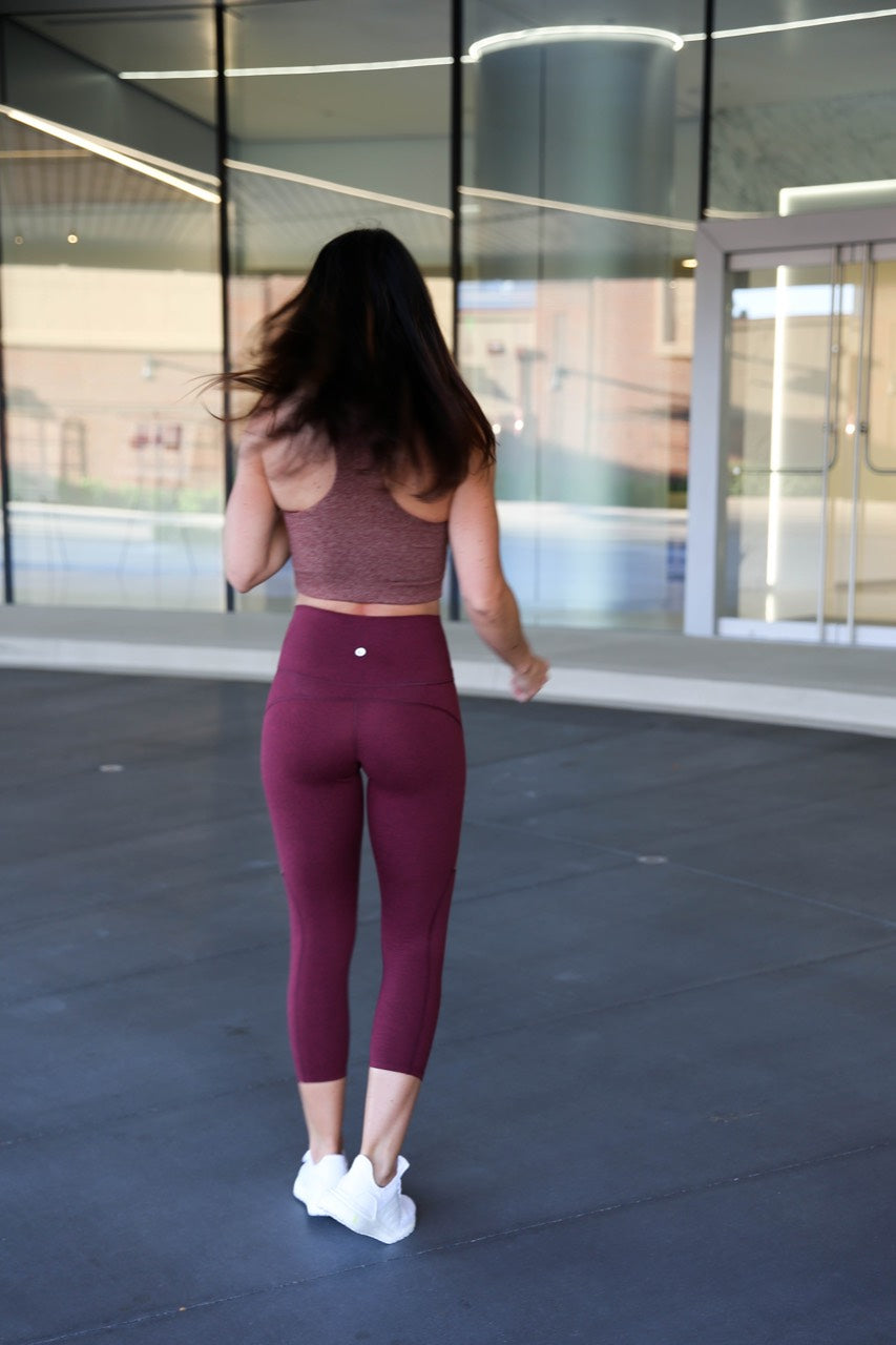 PaleOMG Contour - Crop Legging, High Waist - Brick Red