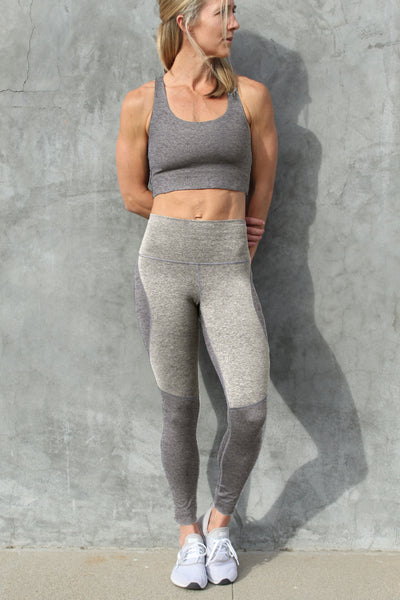 Omni Cloud Contour  - 7/8 Legging - Heather Grey & Sand