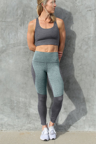 Omni Cloud Contour  - 7/8 Legging - Heather Grey & Hazy Teal