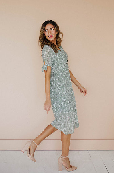 Lyssa Olive Floral Short Sleeve Dress - Nursing Friendly - Restocked