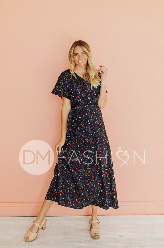Everleigh Navy Floral Dress - DM Exclusive