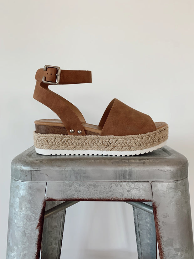 Daniella Cognac Brown Platforms