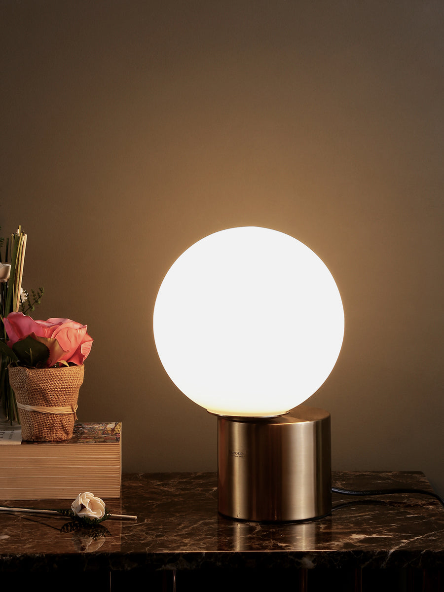 Hoden Globe White Gold Table Lamp Buy Modern Table Lamps Online India Jainsons Emporio