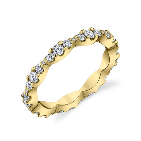 Scalloped Diamond Eternity Band in 14k Yellow Gold