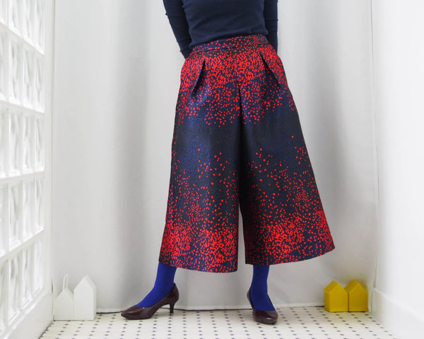 <RS18P06H> SCARLET DOTS WOVEN TEXTILE trousers