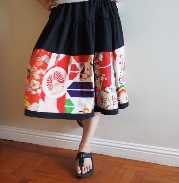 <RS13S04-000> PATCHWORKED SKIRT -SHORT
