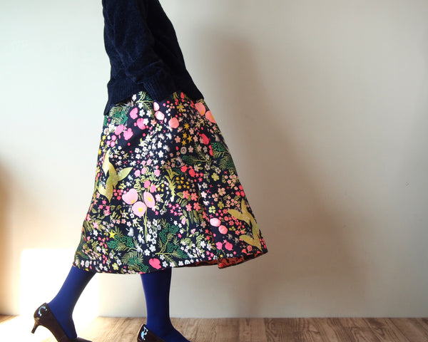 <RS18S17-028> CRAZY PRINT Skirt