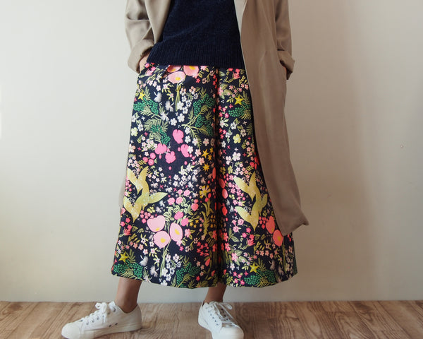 <RS18P06-028>CRAZY WOVEN TEXTILE trousers