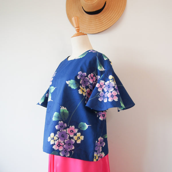 <RS18T12-003> OKINAWA Top Bell shaped Sleeves