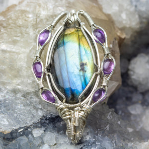 Labradorite, Rainbow Moonstone and Amethyst: Circle of Protection