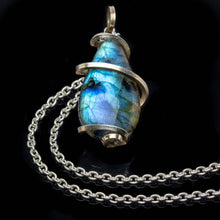 Load image into Gallery viewer, Labradorite Magic Necklace