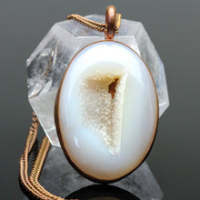 Load image into Gallery viewer, Druzy Agate Pendant