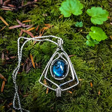Load image into Gallery viewer, Labradorite: Shield of Power