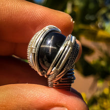Load image into Gallery viewer, Size 10 Black Start Diopside Ring