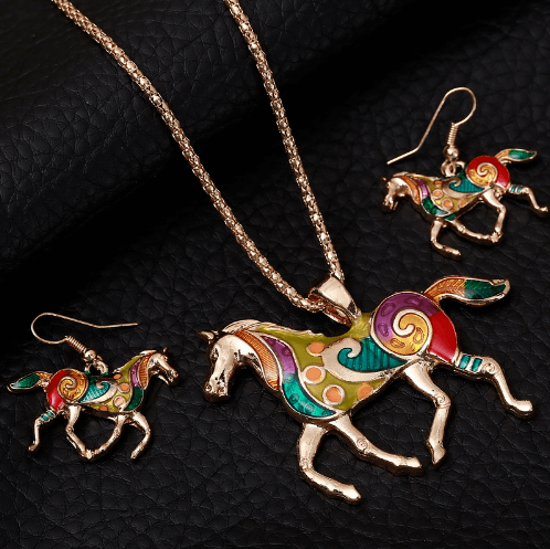 products/horse_necklace_earrings_set_gold_2.png