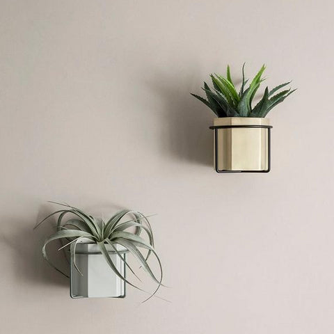 Ferm Living Plant Holder: Black