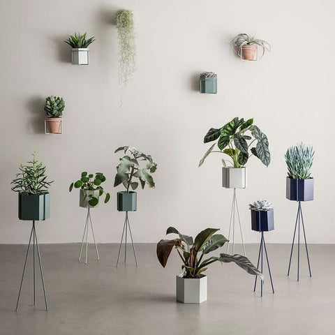Ferm Living Plant Stand Low: Dusty Green