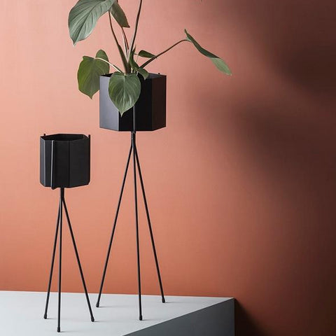 Ferm Living Plant Stand Low: Black