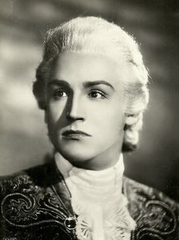 Vittorio Gassman as Casanova in The Mysterious Rider