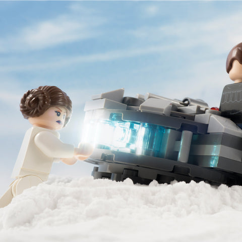 Actually Leia I don't think pushing is helping. Lego Photography by Tom Milton