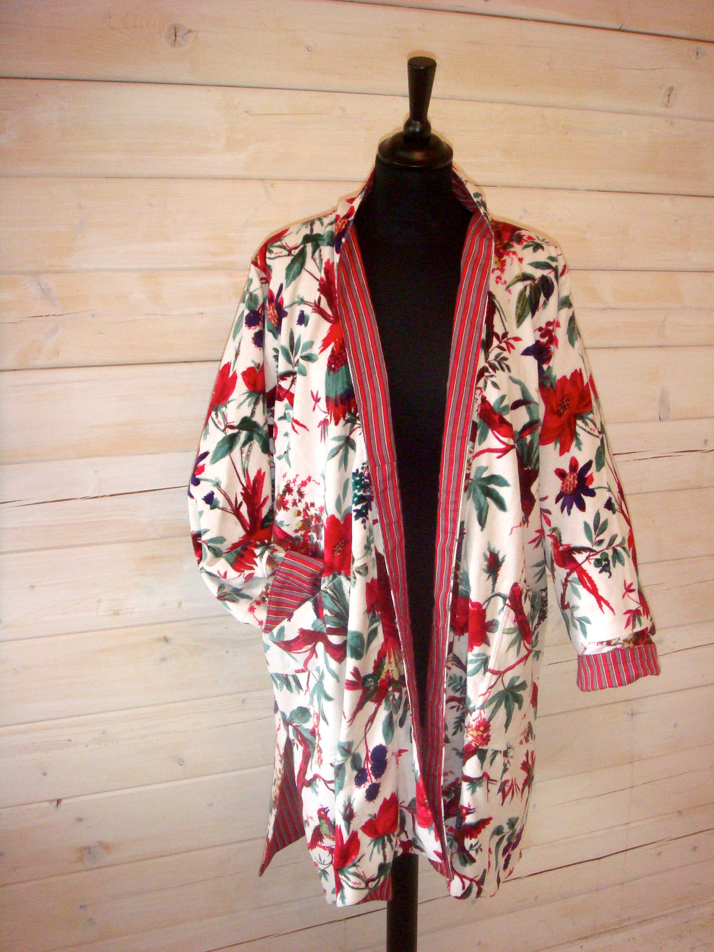 Cotton Velvet Short Kimono Jacket in Bird Print - White