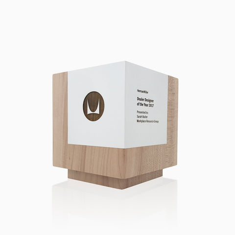 Contemporary Design Wooden Trophy Cubus Trophy in Maple