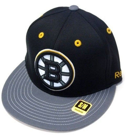 Boston Bruins NHL Reebok Black Logo / Gray Flat Visor Hat Cap FlexFit Fitted S/M