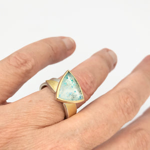 Guilalite in Quartz Ring