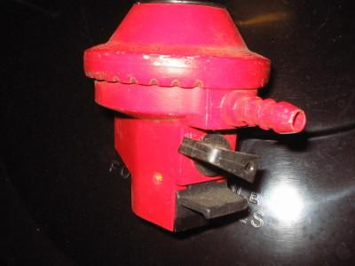 Propane Regulator Clip 27mm - Flying Dutchman Stores