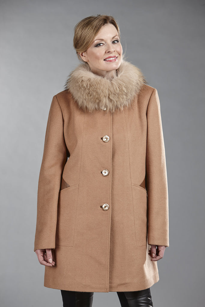 6103C Camel Wool with Leather Trims - size 10