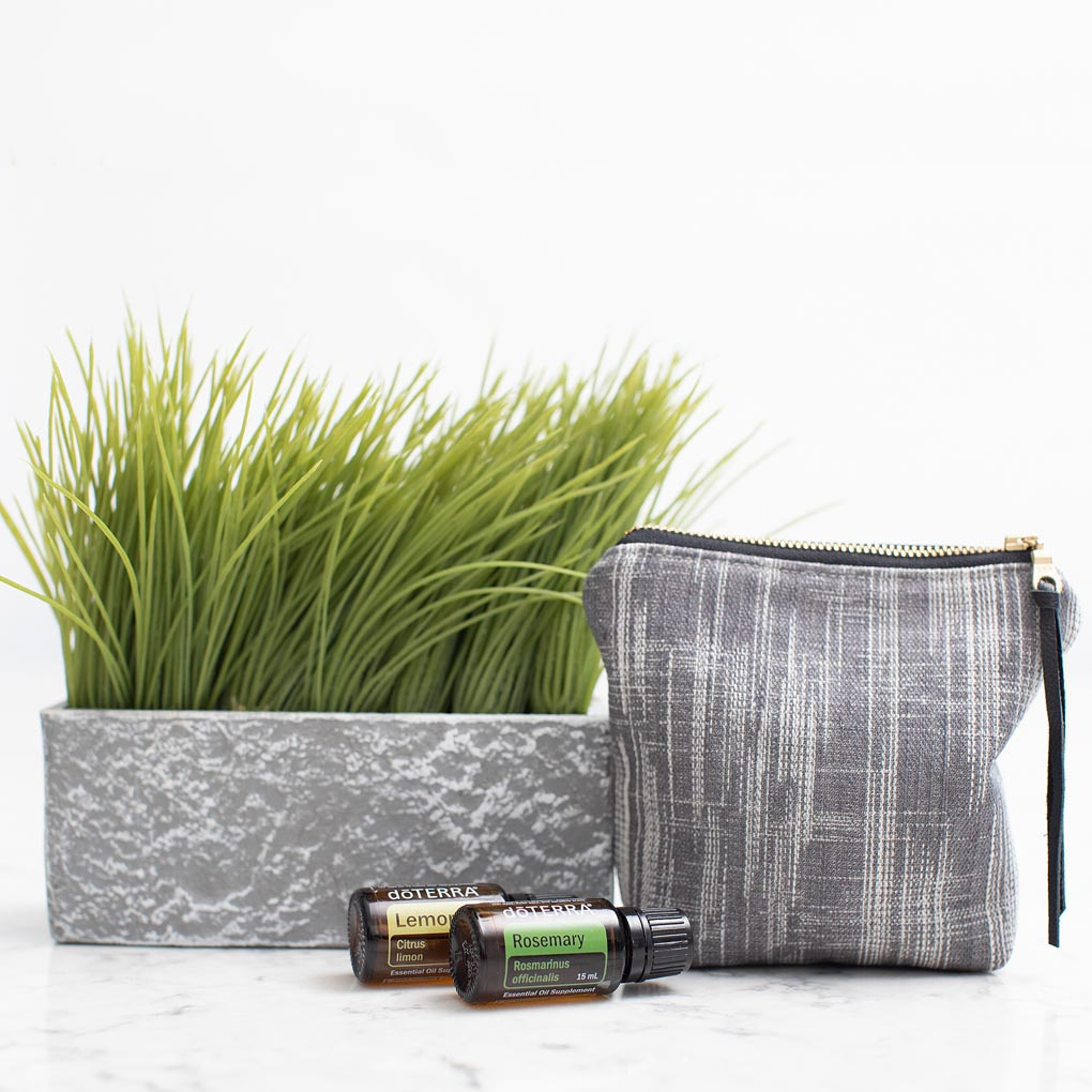 Black & White Modern Essential Oil Travel Case