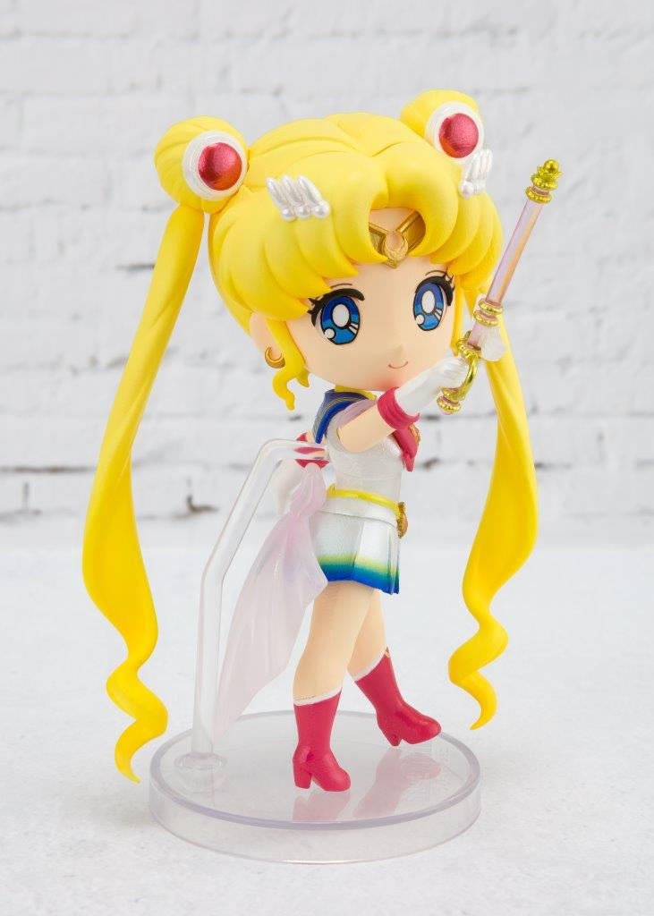 Figuarts Mini Super Sailor Moon -Eternal Edition-