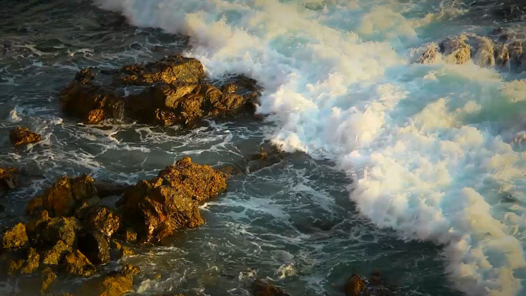 Ocean waves crashing on rocks white noise is a relaxing sound to help you sleep, study or calm a crying baby.