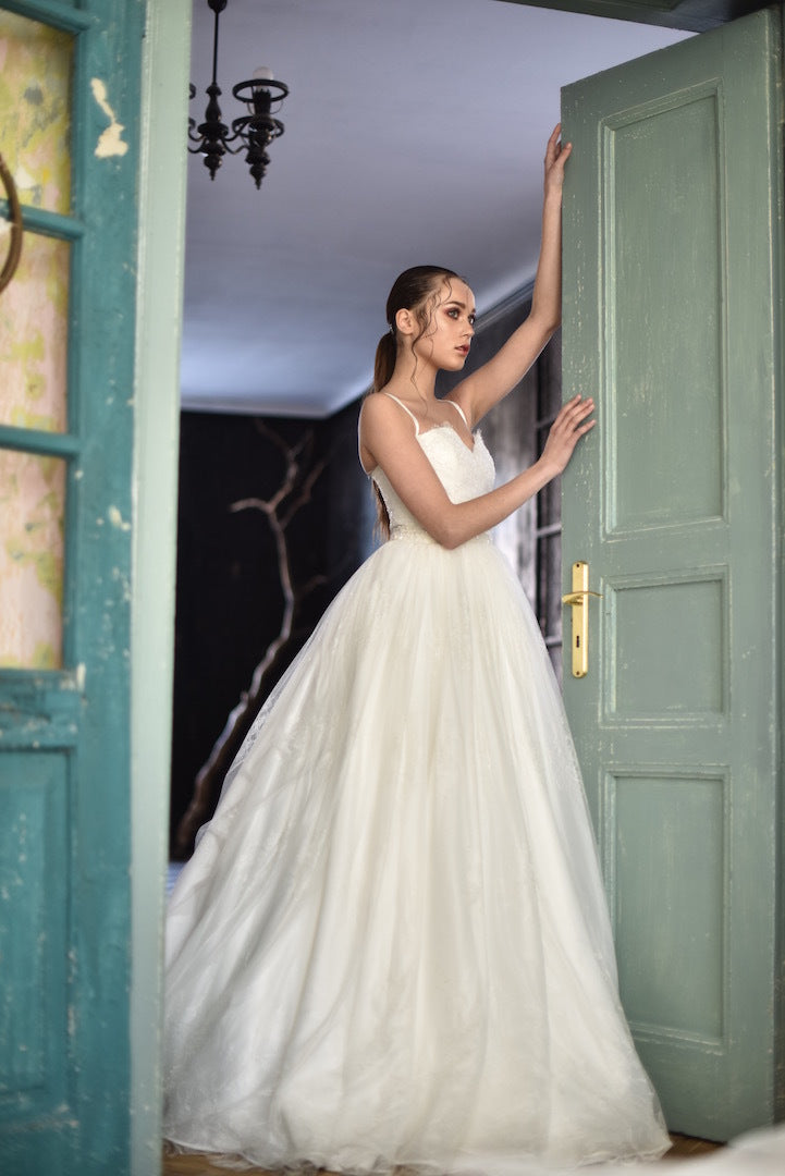 Diphylleia Wedding Dress – ANVI by designer Viktoriya Khomenets