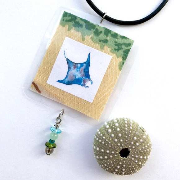 Great gift under $35 for your best friend who loves to dive. Manta Ray necklace with wire wrapped beads - Mika Harmony