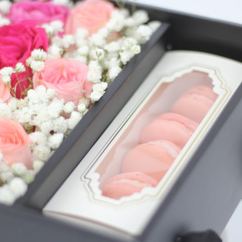 Fairy Light Flower Box with Macaron - M Cake Boutique