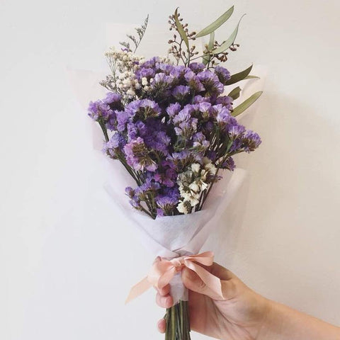 Bouquet of dry lilacs and purple statice - M Cake Boutique
