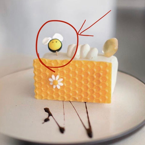 Fondant Bee - M Cake Boutique