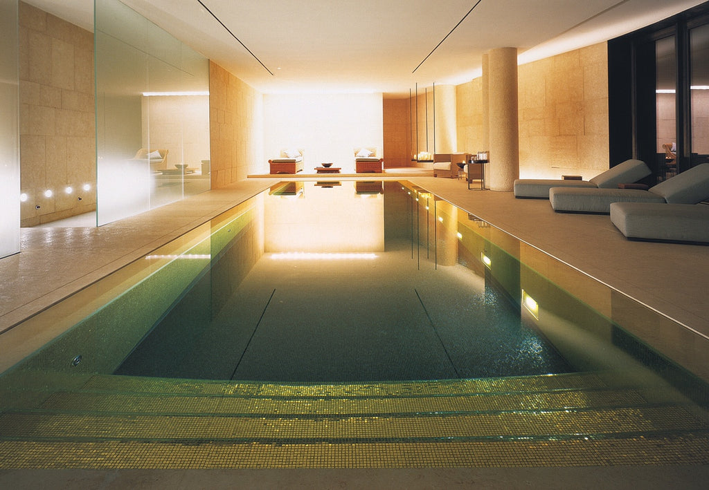 WHAT YOU NEED TO KNOW ABOUT ALL-GLASS POOLS & SPAS