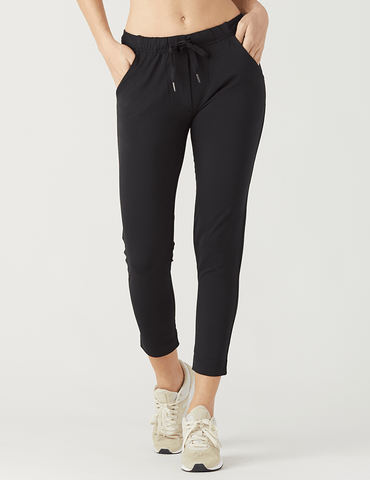 Fare Crop: Black