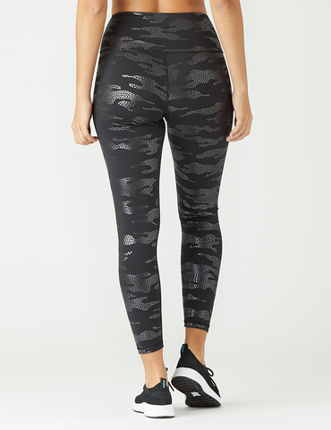 High Power Legging Print: Black Star Gloss Camo