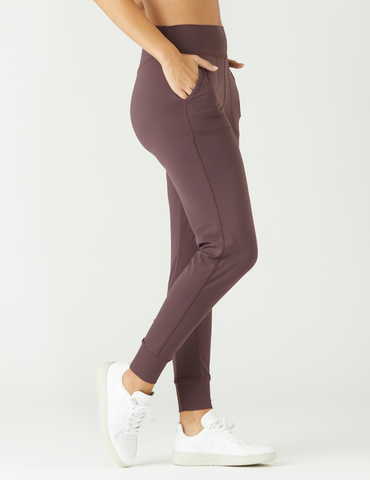 Pure Jogger: Deep Plum
