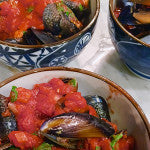 MUSSELS WITH CHILLI, TOMATO AND WHITE WINE SAUCE
