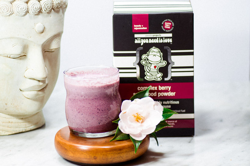 Raw-Vegan-Sugar-Free-Gluten-Free-Berry-Superfood-Smoothie